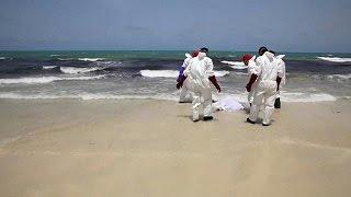 شاهد..شواطئ ليبيا جاذبة لجثث اللاجئين