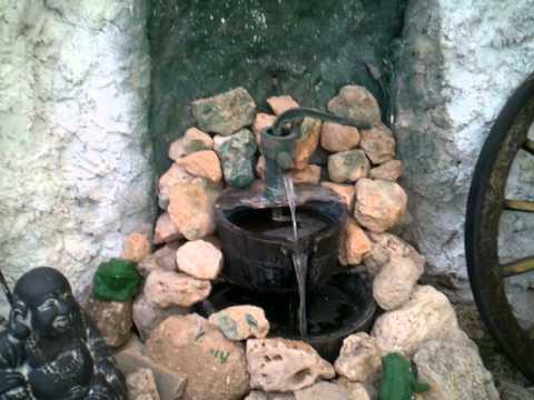 Como hacer una fuente de agua de piedra y bomba de agua for Construir una fuente de jardin