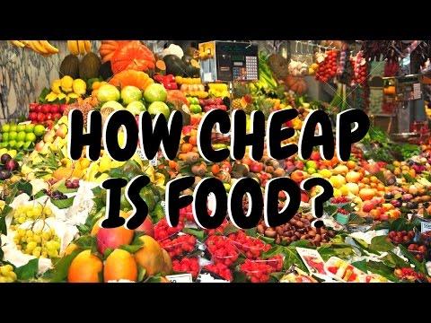 Shopping for Fruits and Veggies in Ecuador