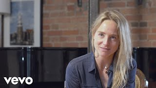 Lissie - Love Blows (Track by Track)