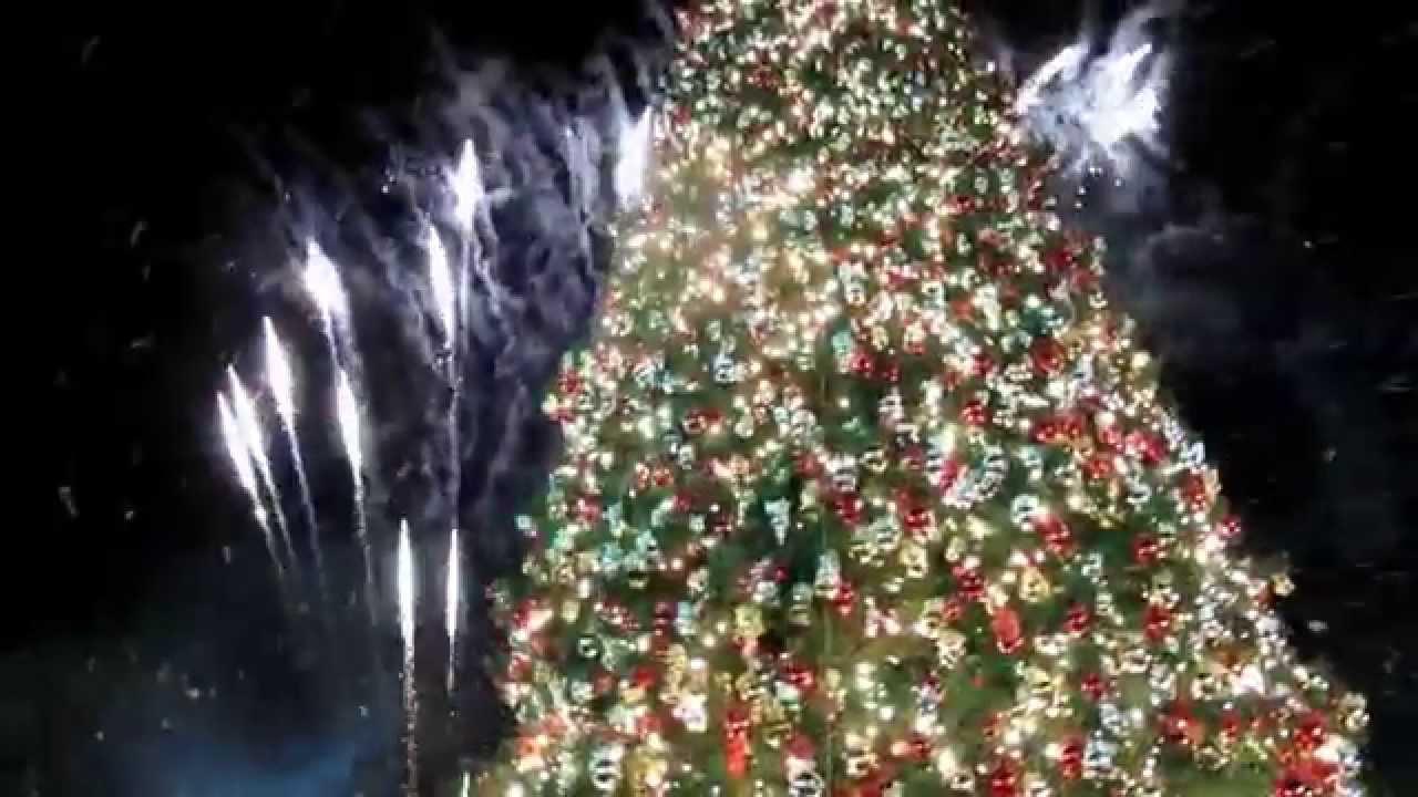 Americana christmas ornaments - Christmas Tree Lighting 2014 Americana Brand