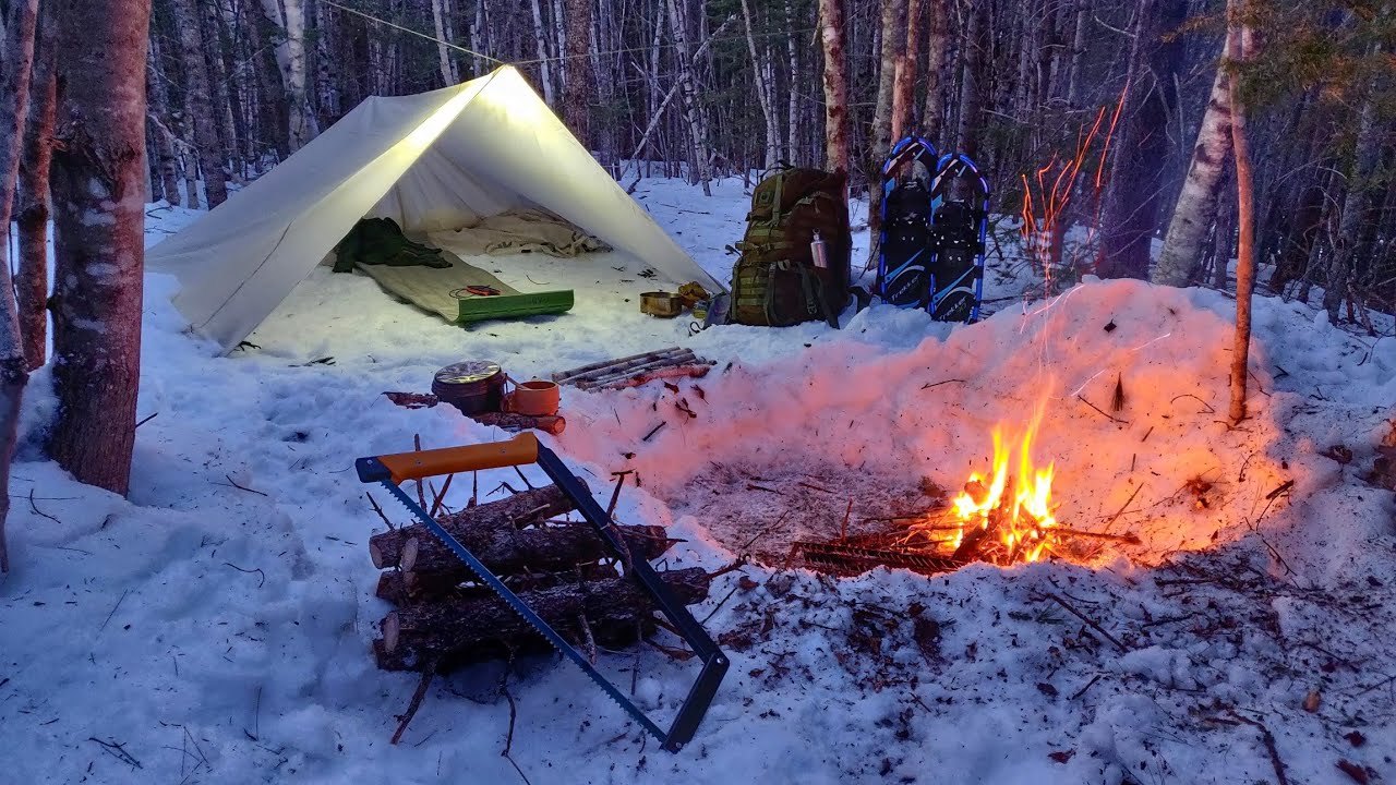 Solo SPRING BUSHCRAFT Camping Overnighter | Under a Tarp Shelter in the Snow, Off Grid Cooking