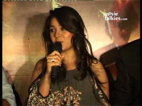 Sunidhi: 'Who wouldn't love to work with Enrique?'