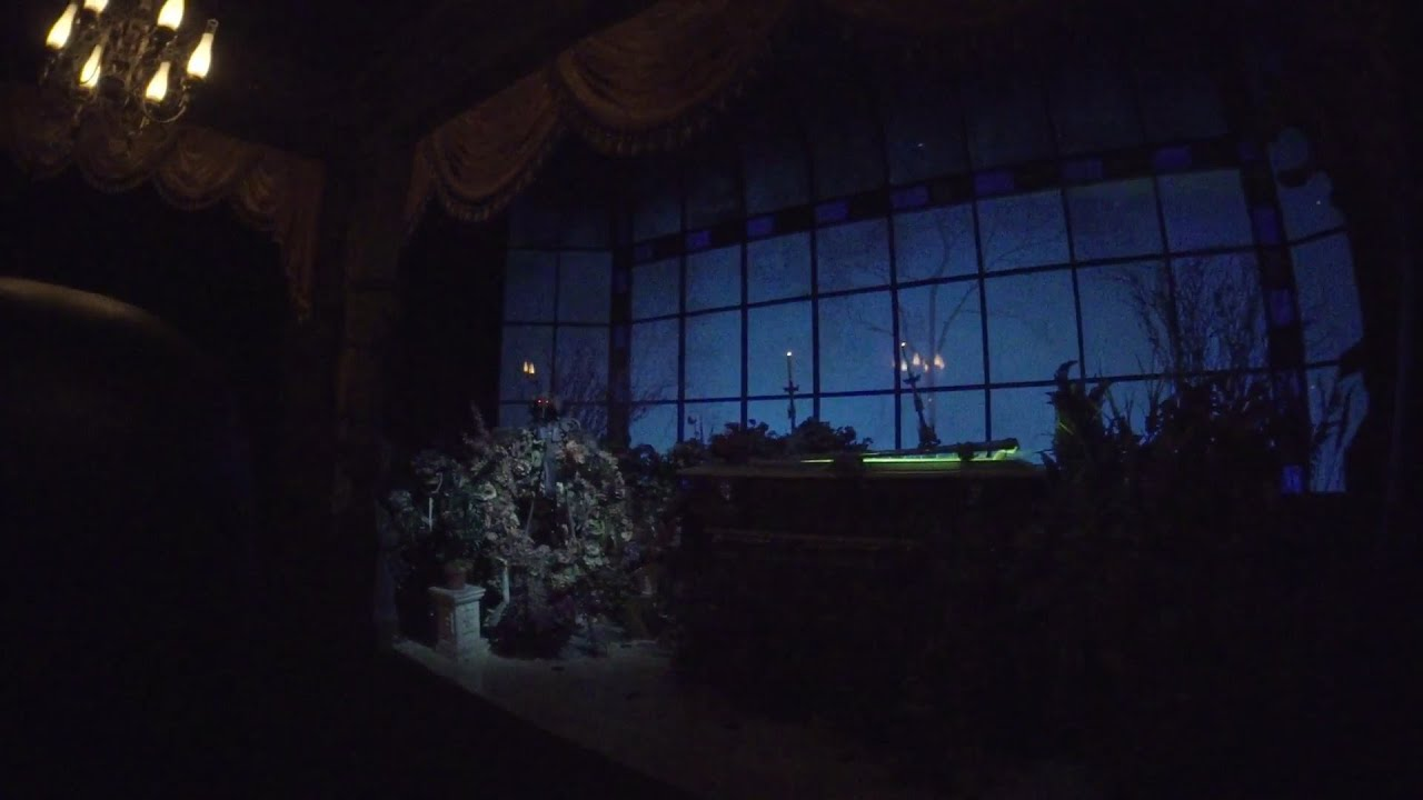 haunted house lighting. Haunted Mansion Low Light, Magic Kingdom, Walt Disney World HD 1080p 60fps Haunted House Lighting