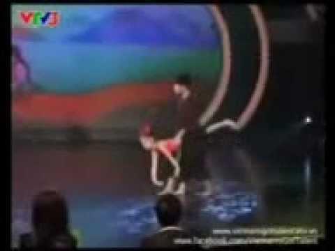 """Màn múa """"Hứng dừa"""" ấn tượng của Đăng Quân - Bảo Ngọc"""