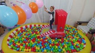Cars top havuzunda balon kapmaca oynadık, eğlenceli çocuk videosu