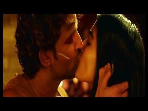 Download mohenjo daro hot kiss scene !!(ultra HD)!!!
