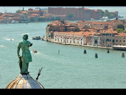 Places to see in ( Venice - Italy ) Punta della Dogana