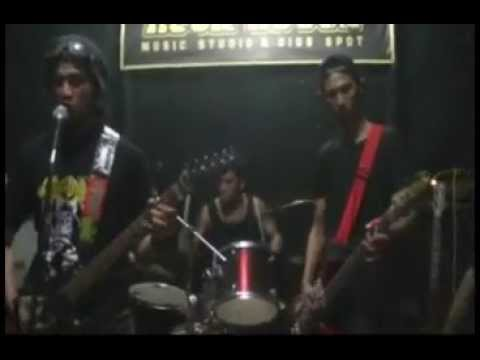 Death Of Authority Live at Grind erection III