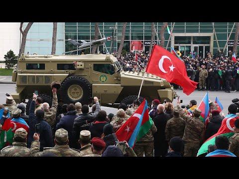 Парад в Баку в честь победы Азербайджана в войне с Арменией в Нагорном Карабахе.
