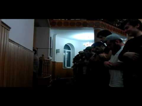 Красивое чтение Корана Хасавюрт,Таравих-намаз 2011