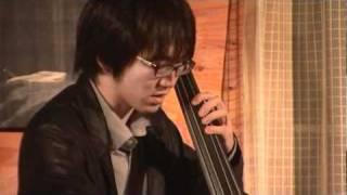 2010:11:18 Kazenoie にて Piano : Shinys Koseki 小関信也 Bass : Kout...