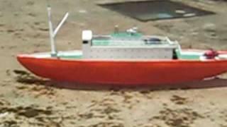 Barco  casero rc con cañon de agua / homemade ship with water cannon