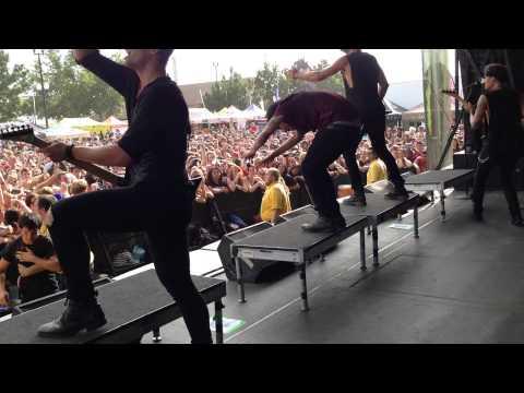 Crown The Empire - MNSTR (Live)
