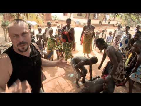 Madventures West Africa - Amegan Voodoo Ceremony