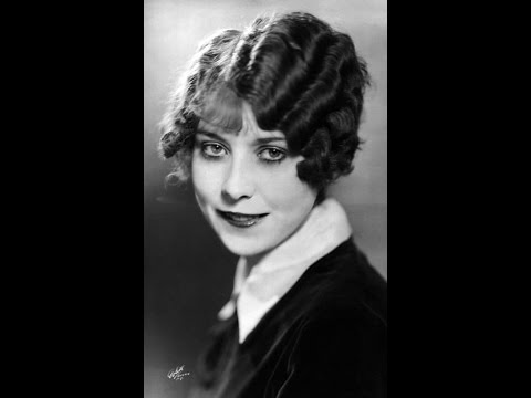 Annette Hanshaw - Tip Toe Thru' The Tulips With Me1929