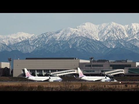 [Two Plum blossoms] China Airlines 737-800 B-18651 TAKE-OFF TOYAMA Airport 富山空港 2013.12.9