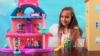 Peppa Pig: Minnie Happy Helpers Home Sweet Headqarters, Peppa Pig Happy Family Thanksgiving