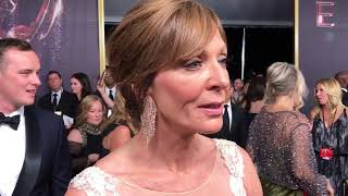 Allison Janney ('Mom') exclusive interview on 2017 Emmy Awards red carpet