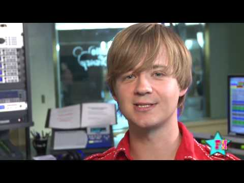 Jason Earles Describes Watching Miley Cyrus Grow Up