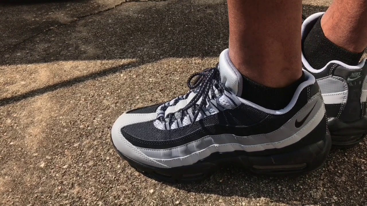 4184089cf449 NIKE AIR MAX 95 REVIEW ON FEET - YouTube