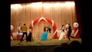 Школьный вальс(В этом видео танцуют школьный вальс выпускники МБОУ СОШ №1., 2013-06-30T10:37:55.000Z)