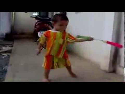 Маленький Брюс Ли (+видео) -
