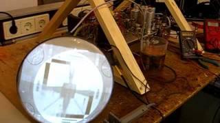 Eerste test zelfbouw lijntrafo voor Philips TX594U ( het hondje ), first test homemade EHT