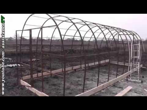 видео: Собираем теплицу - Ставим дуги и рейки - Часть 2