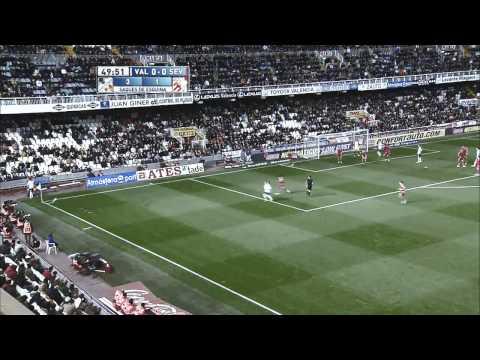 "Roberto Soldado. ""El guerrillero"" Goals and skills."