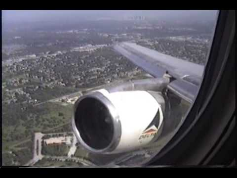 Lockheed L-1011 Tristar Take Off Delta Airlines