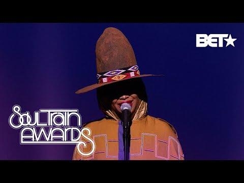 Wild Wayne - @FatBellyBella classic medley on #SoulTrainAwards