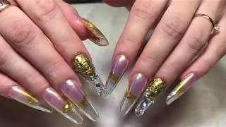 Золотые ногти на Новый год, Swarovski, роспись пастой EMI, втирка аврора