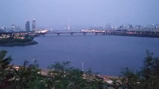 옥수동 달맞이 공원에서 보는 서울숲 방향 한강 풍경