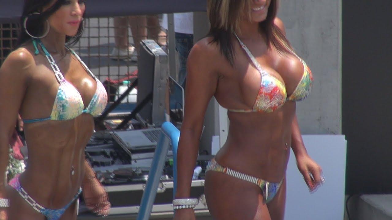 Heiße Bikini Contest Videos