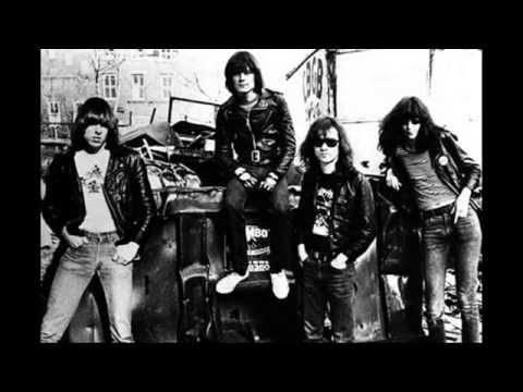 Rip Tommy Ramone - End Of An Era As Last Member Of Ramones Dies [Tommy Ramone]