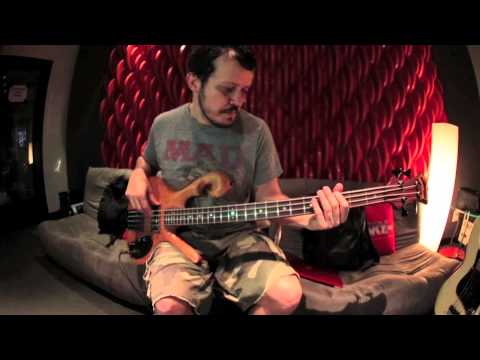 PJ from Jota Quest recording with a 1977 Carl Thompson bass + Elixir strings