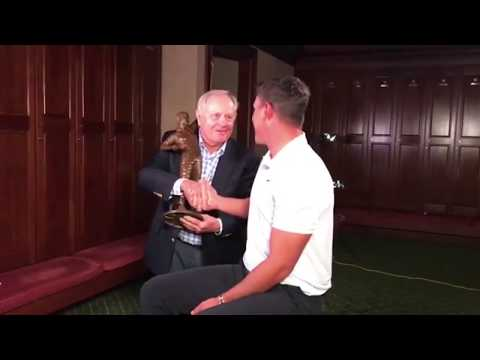 Jack Nicklaus presents Brooks Koepka with trophy for Player of the Year