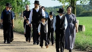 Amish Girl & Family Flee to Avoid Forced Chemotherapy