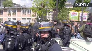 Протесты против кандидатов в президенты Франции