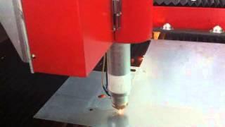 D série de la superpuissance de la machine de découpe laser découper le matériaux du  métal  et du m