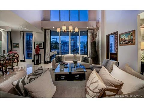 Superb Penthouse at Carbonell Brickell Key w/ Breathtaking Water & City Views
