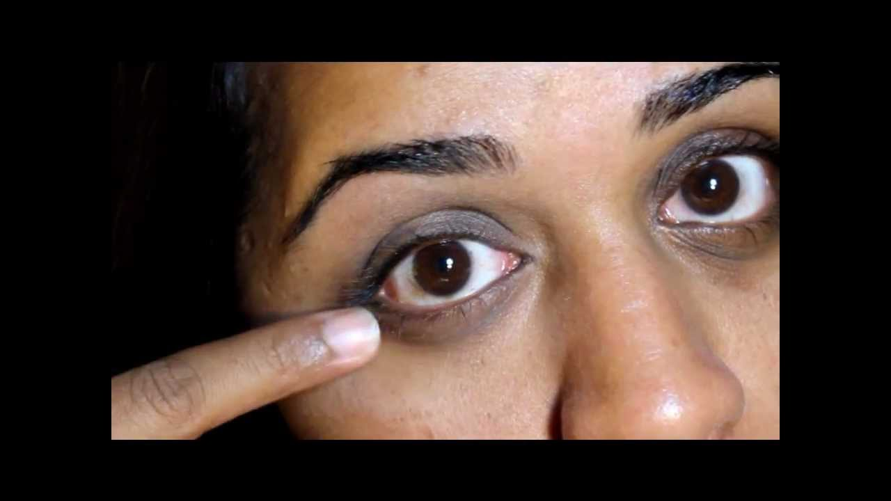 Makeup to cover dark circles around eyes