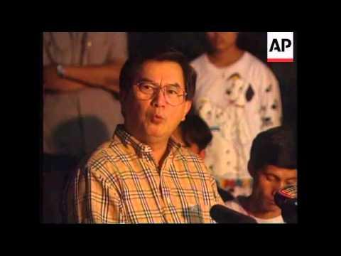 THAILAND: BANGKOK: PROTESTORS DEMAND PREMIER'S RESIGNATION (2)