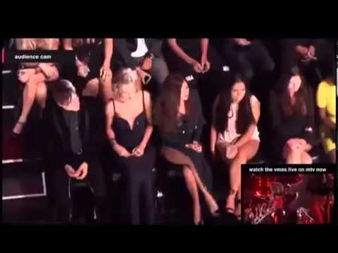 Taylor Swift and Selena Gomez  / MTV Video Music Awards 2013