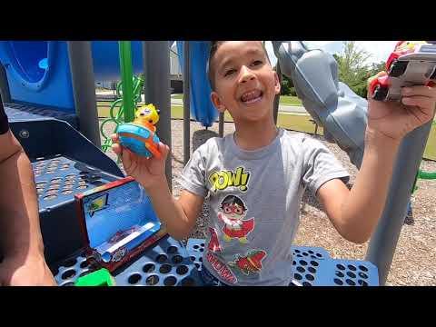 RYAN'S WORLD TOYS    GUS THE GATOR RECYCLING TRUCK    RYAN'S WORLD RACERS