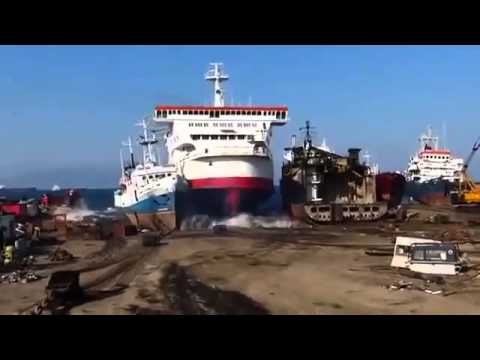 This Is How To Park a Ship Like a Boss   Interesting Things   Facebook