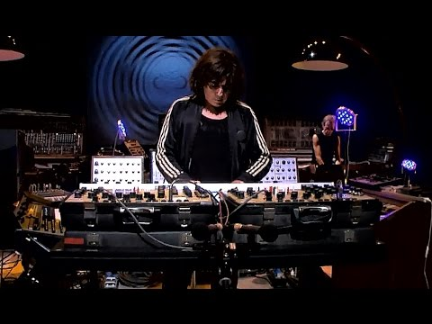 """Jean Michel Jarre - """"Oxygene"""" Live In Your Living Room (2007)"""