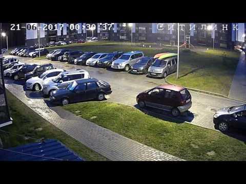 Девушка выпала из окна в Петрозаводске