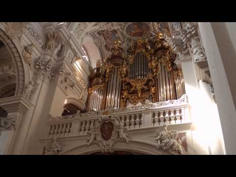 Organ music from St. Stephan's Cathedral in Passau, Germany